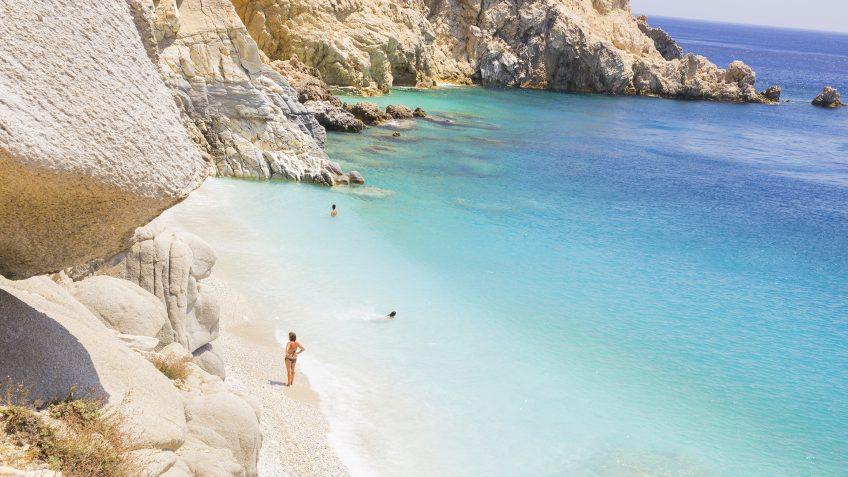 Διακοπές στην Ικαρία για φέτος το Καλοκαίρι! Ταξιδέψτε αεροπορικώς στο νησί όπου ο χρόνος σταματά! | Με την Prima Holidays
