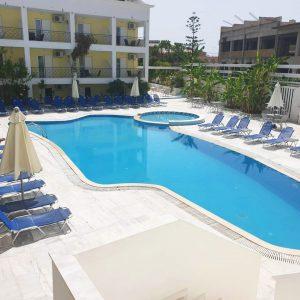 mojo-hotel-pool
