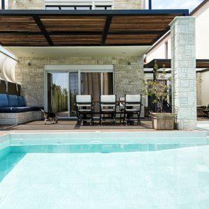 sunny-villas-pool