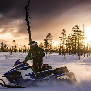 taxidi-lapwnia-xristougenna-snowmobiles